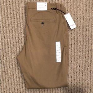Men's Straight Fit Hennepin Chino Pants